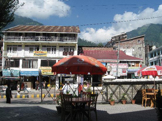 Manali Hotel Booking